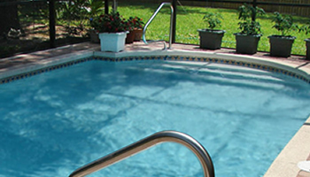 Sparkling pool with backwash